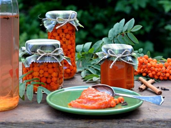 Jeřabinový kompot a džem